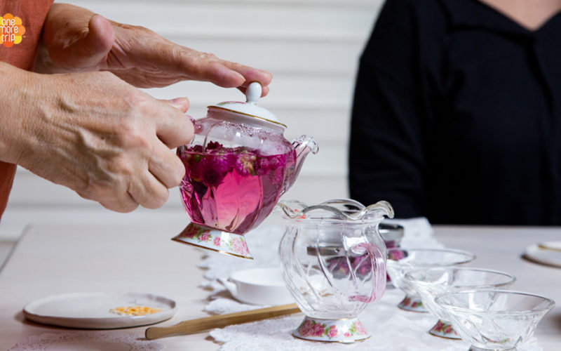 Flower tea experience pouring tea