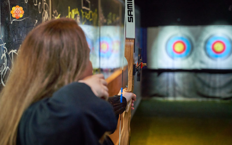 archery class aiming