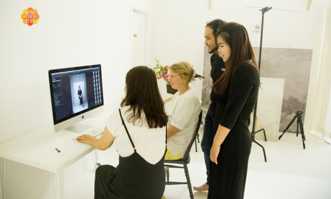 hanbok photoshoot discussing