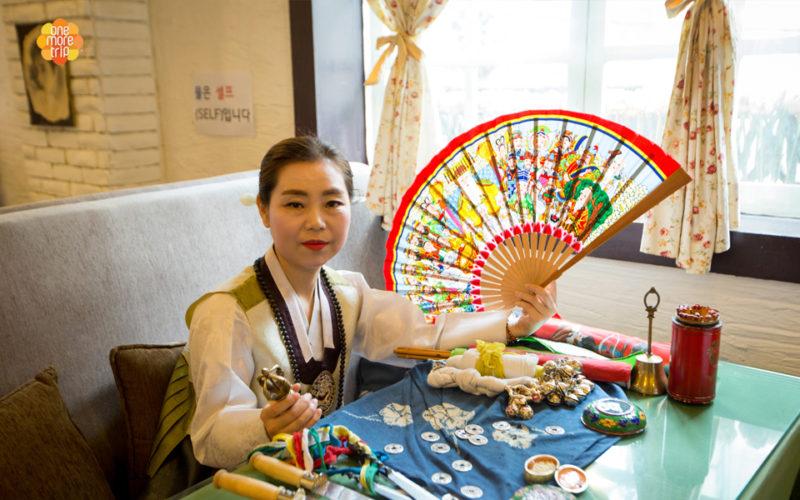 Korean fortune teller