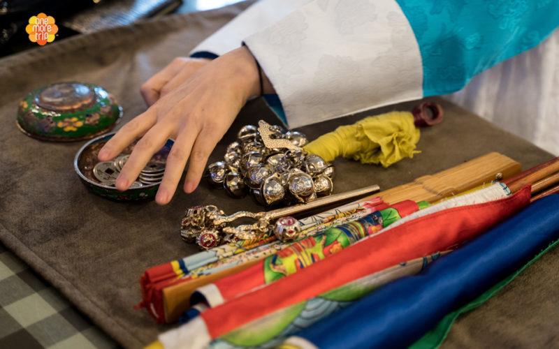 Korean fortune teller using tools